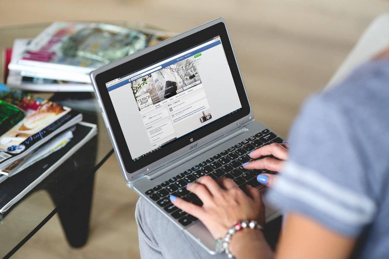 a person doing social media marketing on Facebook